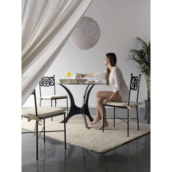 Table provençale ronde en metal Milos Granada