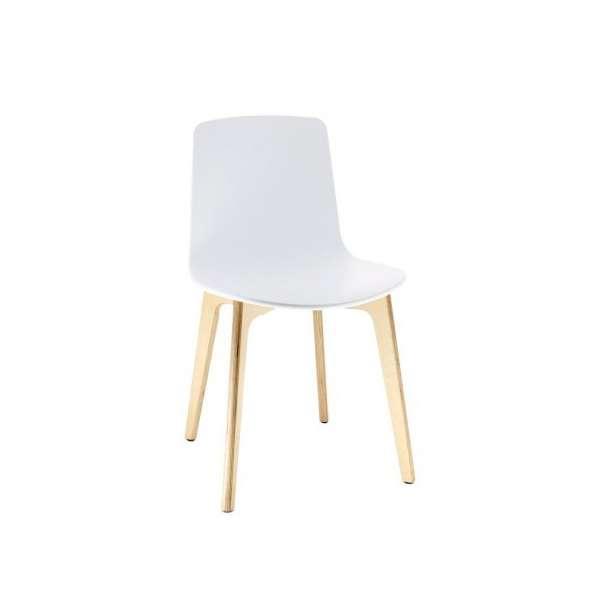 Chaise Design En Polypropylène Lottus   Pieds Bois ...