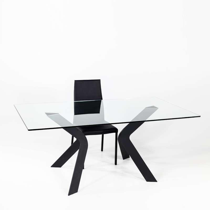 Table En Verre Design Avec Pieds En Metal Noir Trendy