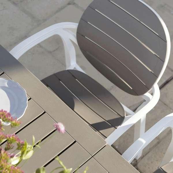 Fauteuil de jardin en polypropylène blanc et taupe - Palma - 14