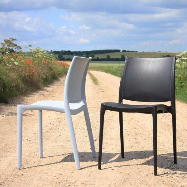 Chaise de jardin en polypropylène blanc et noir - Maya - 6
