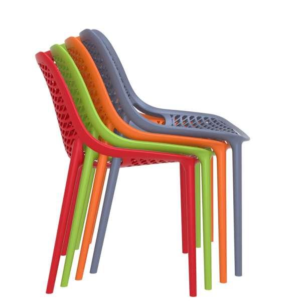 Chaise de jardin moderne ajourée en polypropylène empilable - Air - 37