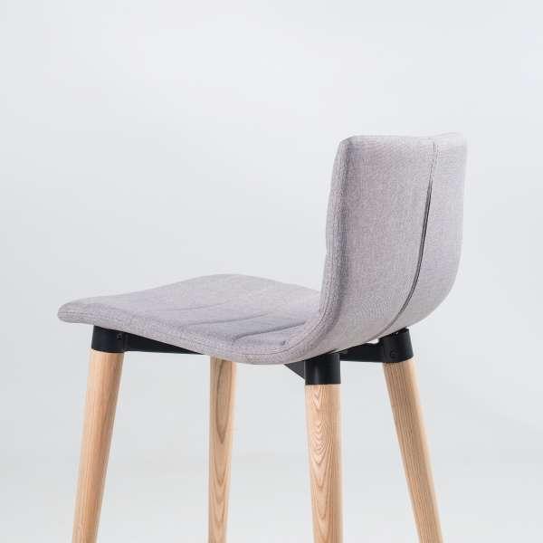 Tabouret hauteur 65 cm scandinave en tissu gris clair et bois - Doris - 7