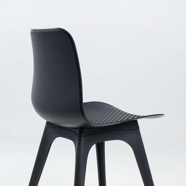 Chaise tendance en plastique noir - Céleste - 6