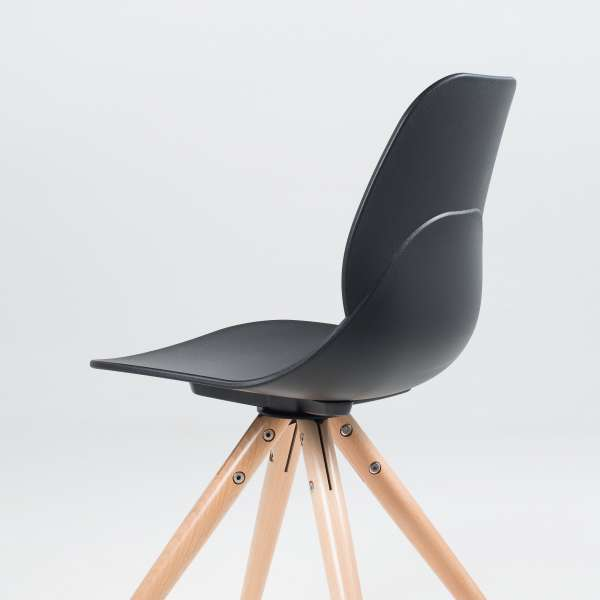 Chaise design en polypropylène noir avec pieds en hêtre - Victoire - 8
