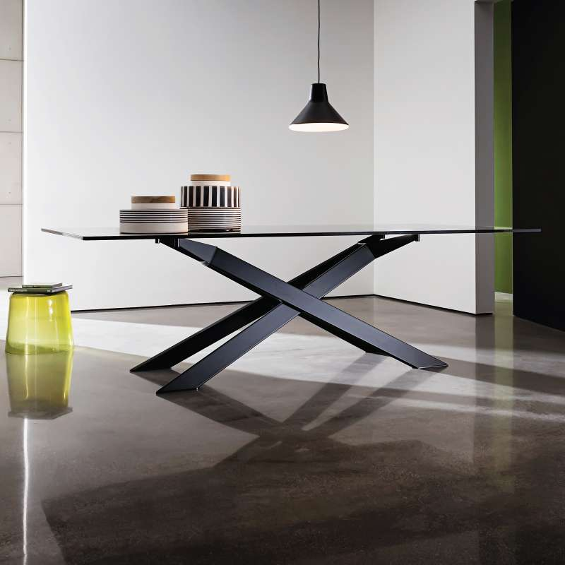 table de salle manger design en verre et m tal cross. Black Bedroom Furniture Sets. Home Design Ideas