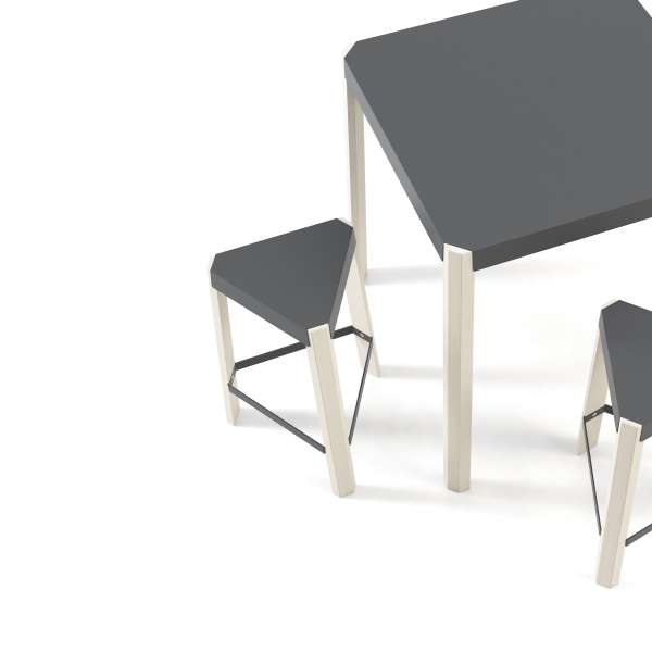 Tabouret bas triangulaire en métal et bois - Podio 5 - 5