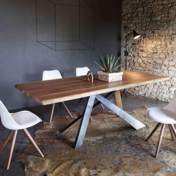 Table design rectangulaire en bois massif et méta industriel - Toronto