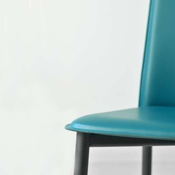 Chaise en croûte de cuir -  Ely-Plus 12 - 14