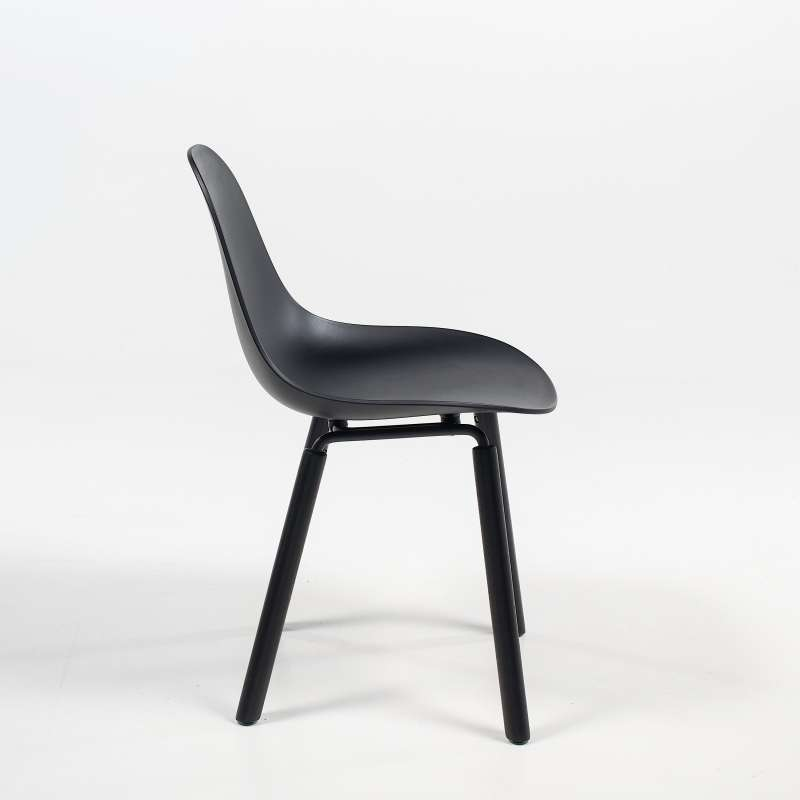 Chaise De Designer Moderne En Polypropylene Et Bois