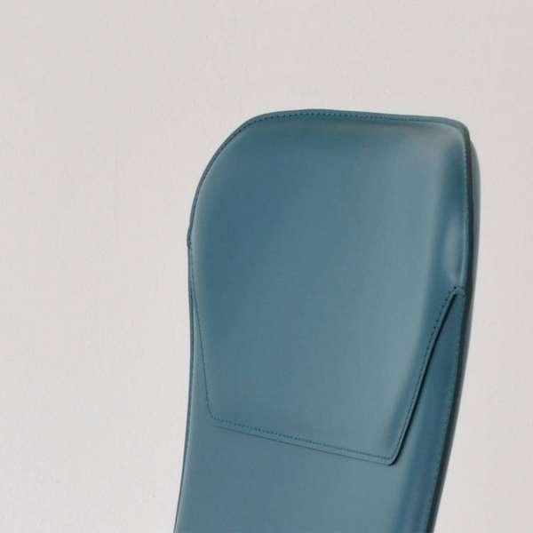 Chaise rétro design en croûte de cuir et métal - Avenue 3 - 3