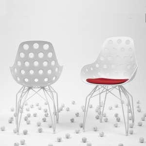 Chaise design en polypropylène ajouré et métal - Diamond Dimple Kubikoff®