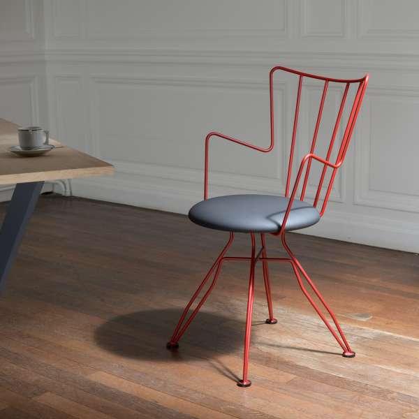 Chaise design rouge en métal  - Well - 1