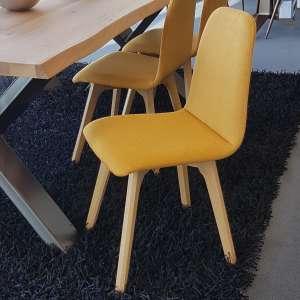 Chaise de salle à manger moderne en tissu jaune et bois - Pandora