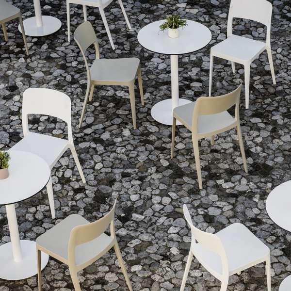 Chaise de terrasse empilable  en polypropylène - Nené Midj®