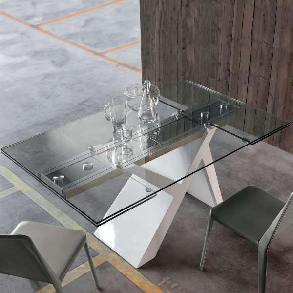 Table design extensible en verre et bois laqué -  Ikarus