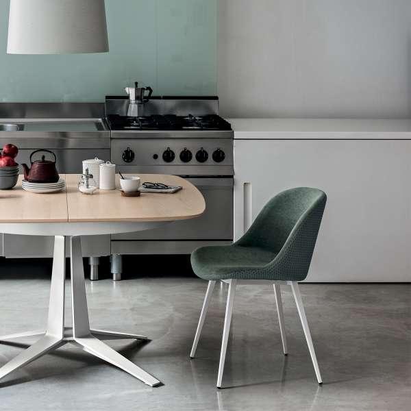 Chaise coque moderne en tissu vert et métal blanc - Sonny Midj® - 2