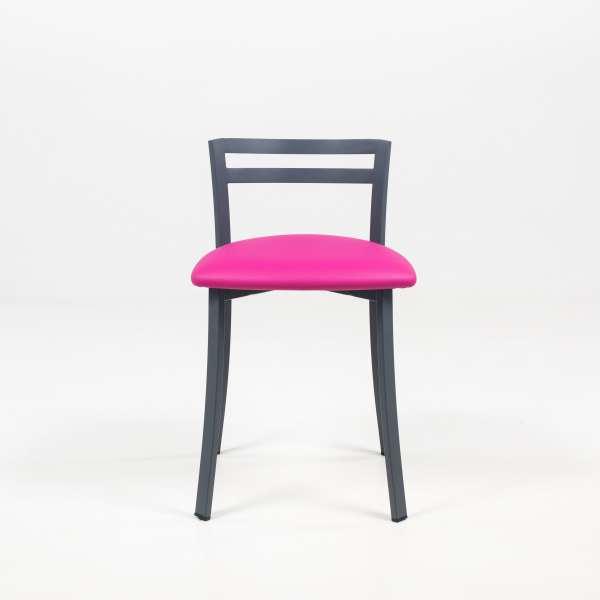 Chaise avec dossier bas en synthétique rose et métal noir - Urane - 3