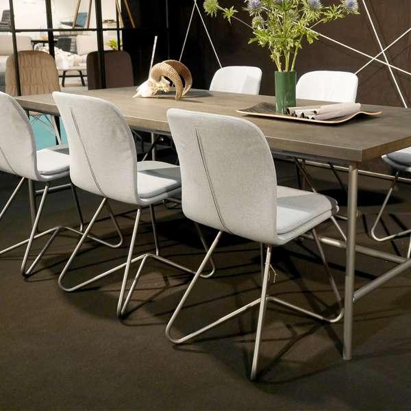Chaise design de salle à manger en tissu gris clair et métal - Harmon - 3
