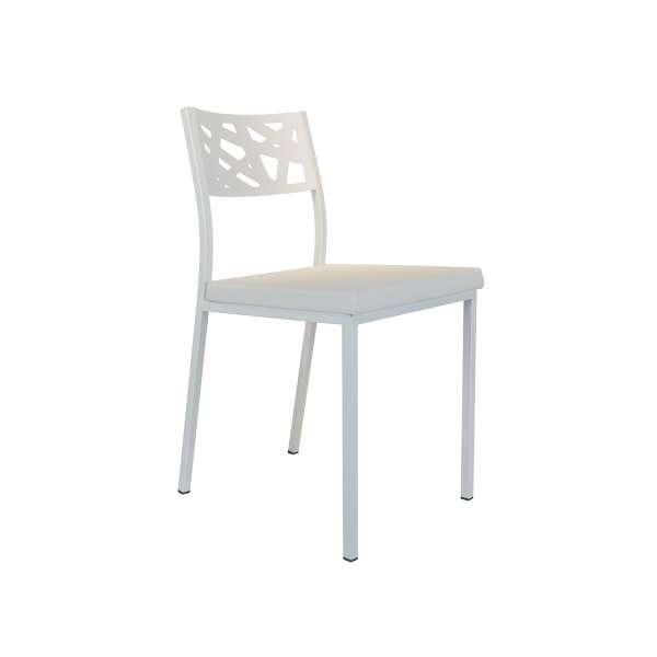 Chaise de cuisine assise rembourrée blanche avec dossier aux motifs géométriques ajourés blanc - Tirza - 3