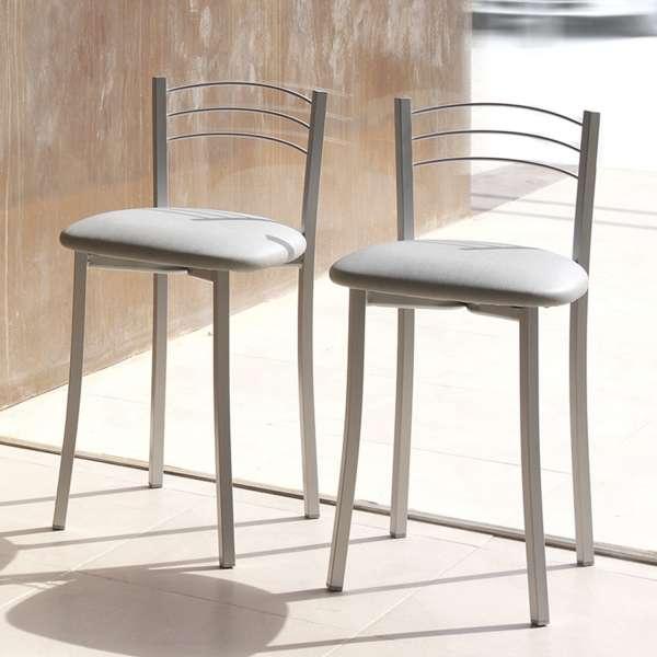 Tabouret bas de cuisine avec assise rembourrée grise et structure métal alu - Yolanda - 1