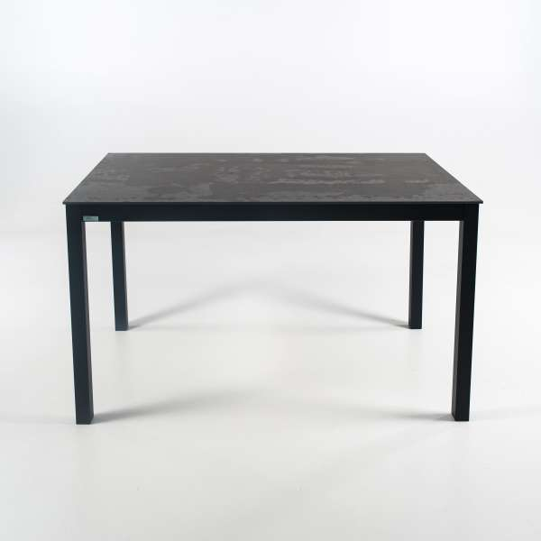 Table rectangulaire en dekton effet rouille et pieds en métal - Millenium 4 - 2