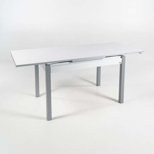 Petite table de cuisine extensible en formica blanc avec tiroir pieds alu - Iris - 16
