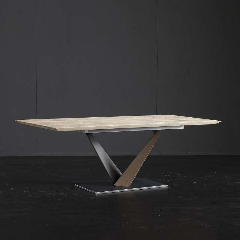 Table Design Style Industriel Avec Pied Central En V Et Plateau En Chene Massif Toledo West
