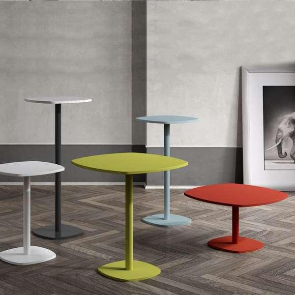 Petite table de cuisine carrée aux bords arrondis avec pied central - Circa - 2