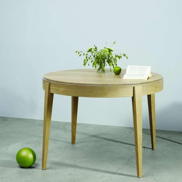 Table ronde en bois massif de fabrication française avec allonges - Liseré 355 - 1