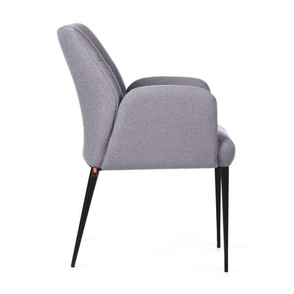Chaise cocooning avec accoudoirs en tissu gris et pieds en métal noir - Enora Mobitec - 4