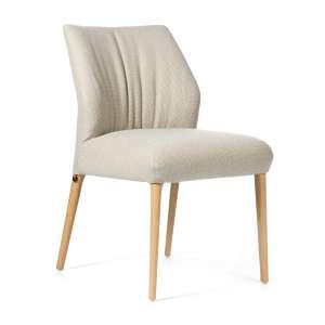 Chaise cocooning en tissu beige pieds en bois naturel - Enora Mobitec®
