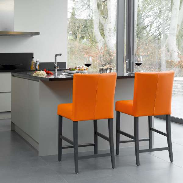 Tabouret snack en vinyl orange et pieds en bois gris - Shelly Mobitec - 6