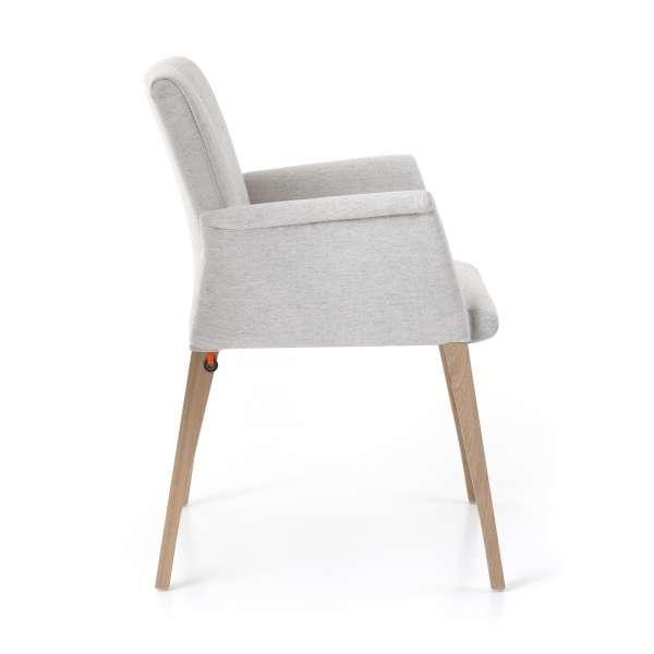 Fauteuil de séjour en tissu blanc et pieds en bois marron clair - Pure comfort Mobitec® - 3