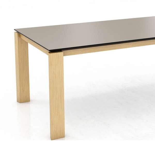 Table contemporaine en stratifié Fénix et pieds en bois massif - Oxford Mobitec® - 2