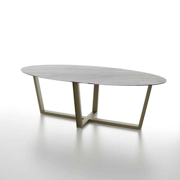 Table design ovale plateau en céramique et pieds en métal modernes - Viktor - 1