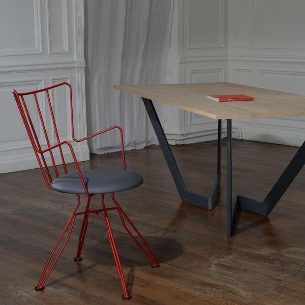 Chaise design en synthétique gris et métal rouge - Well - 2