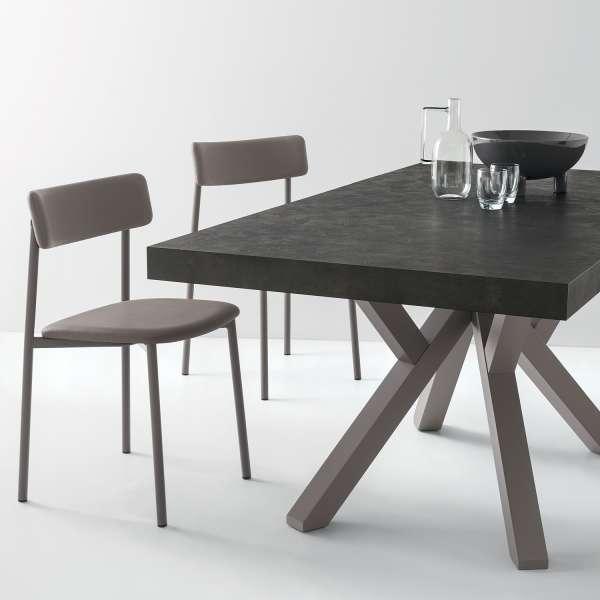 Table design en mélaminé style bois avec pieds en bois extensible - Mikado Connubia© - 2