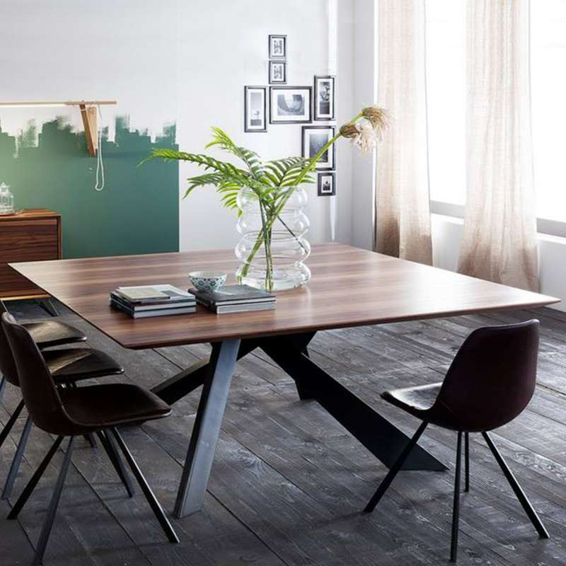 Table Bois Metal Design: Table Design Carrée En Bois Massif Avec Pieds En Métal