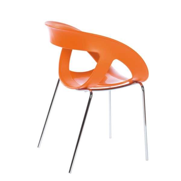 Fauteuil design italien empilable avec coque ajourée orange et pieds en métal chromé Moema - 11