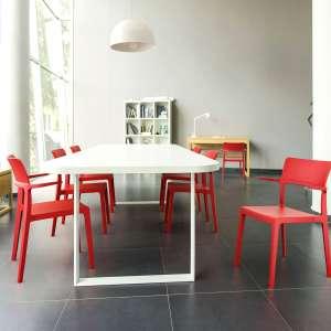 Chaise avec accoudoirs empilable en plastique - 093 Plus