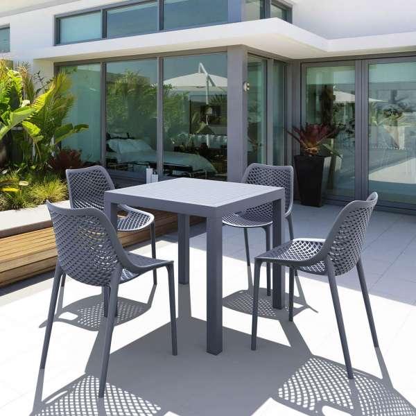 Table de terrasse carrée en polypropylène - Ares - 17