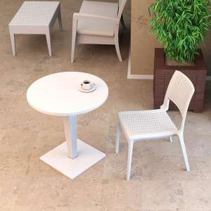 Table de jardin ronde en résine tressée et plateau werzalit - Riva