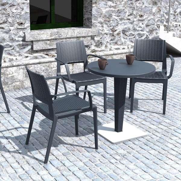 Table de jardin ronde en résine tressée et plateau werzalit - Riva - 9