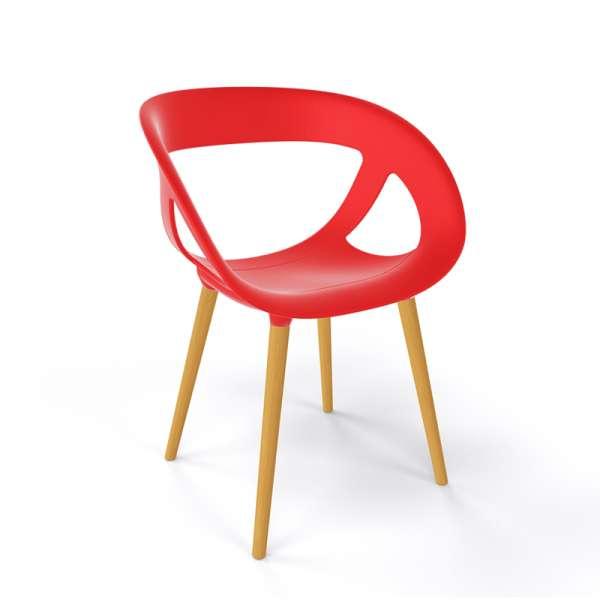 Fauteuil moderne coque en plastique rouge et pieds en bois naturel - Moema - 14