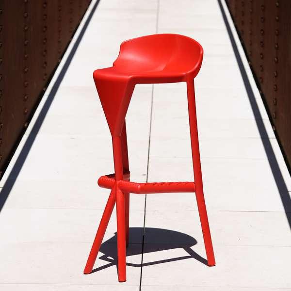 Tabouret extérieur design empilable en technopolymère rouge - Shiver - 1
