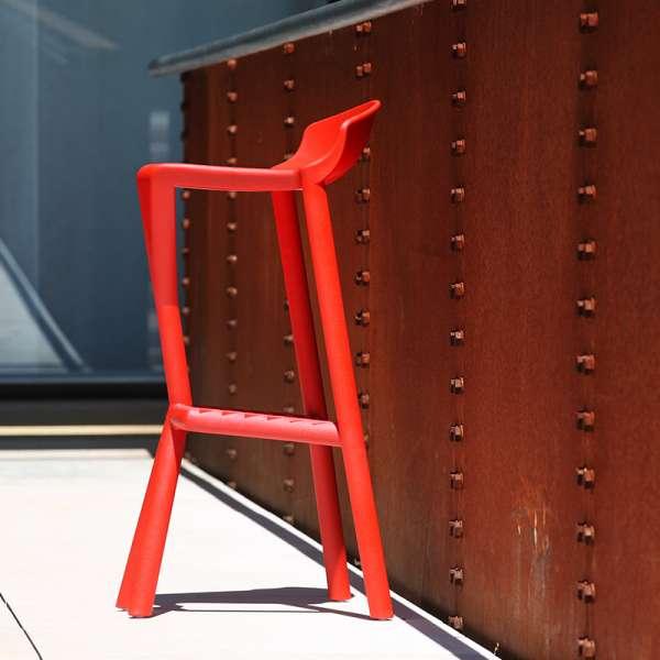 Tabouret extérieur design empilable en plastique rouge - Shiver - 2