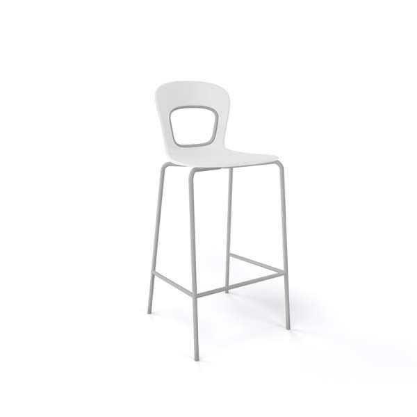 Tabouret snack moderne empilable assise blanche pieds gris - Blog - 15