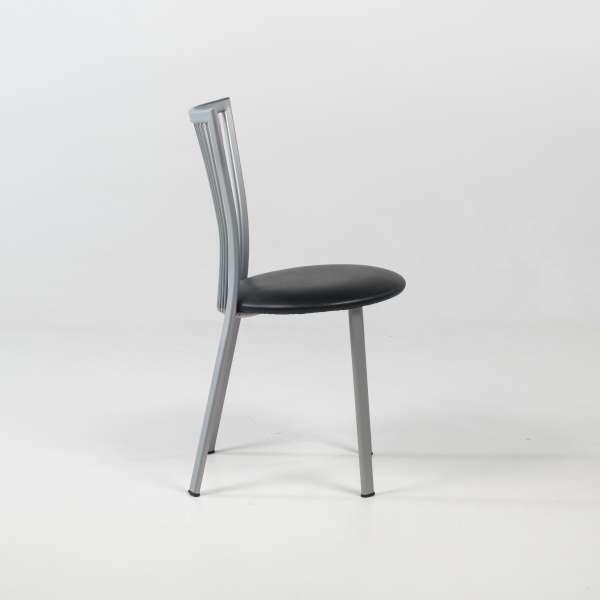 Chaise de cuisine avec assise rembourrée noire et pieds en métal alu verni  - Fanny - 3