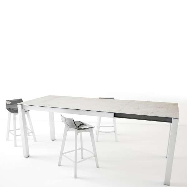 Table snack en Dekton rectangulaire extensible blanche avec pieds en métal - Lakera - 2